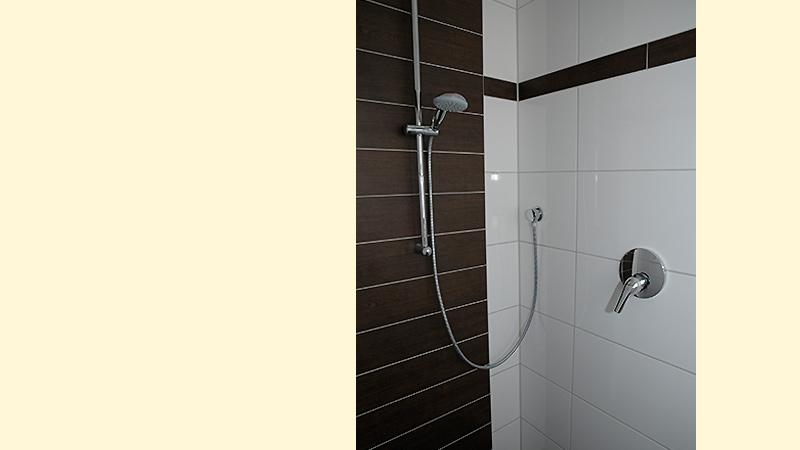 Bodenebene Dusche Fu?bodenheizung : Ferienhaus Hofmann – Villa Griesm?hle – Feriendomizil – Igelsbachsee